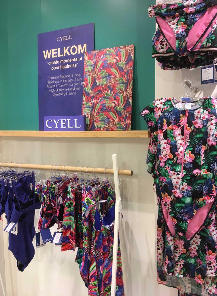 Cyell showroom presentatie wand, visual merchandise