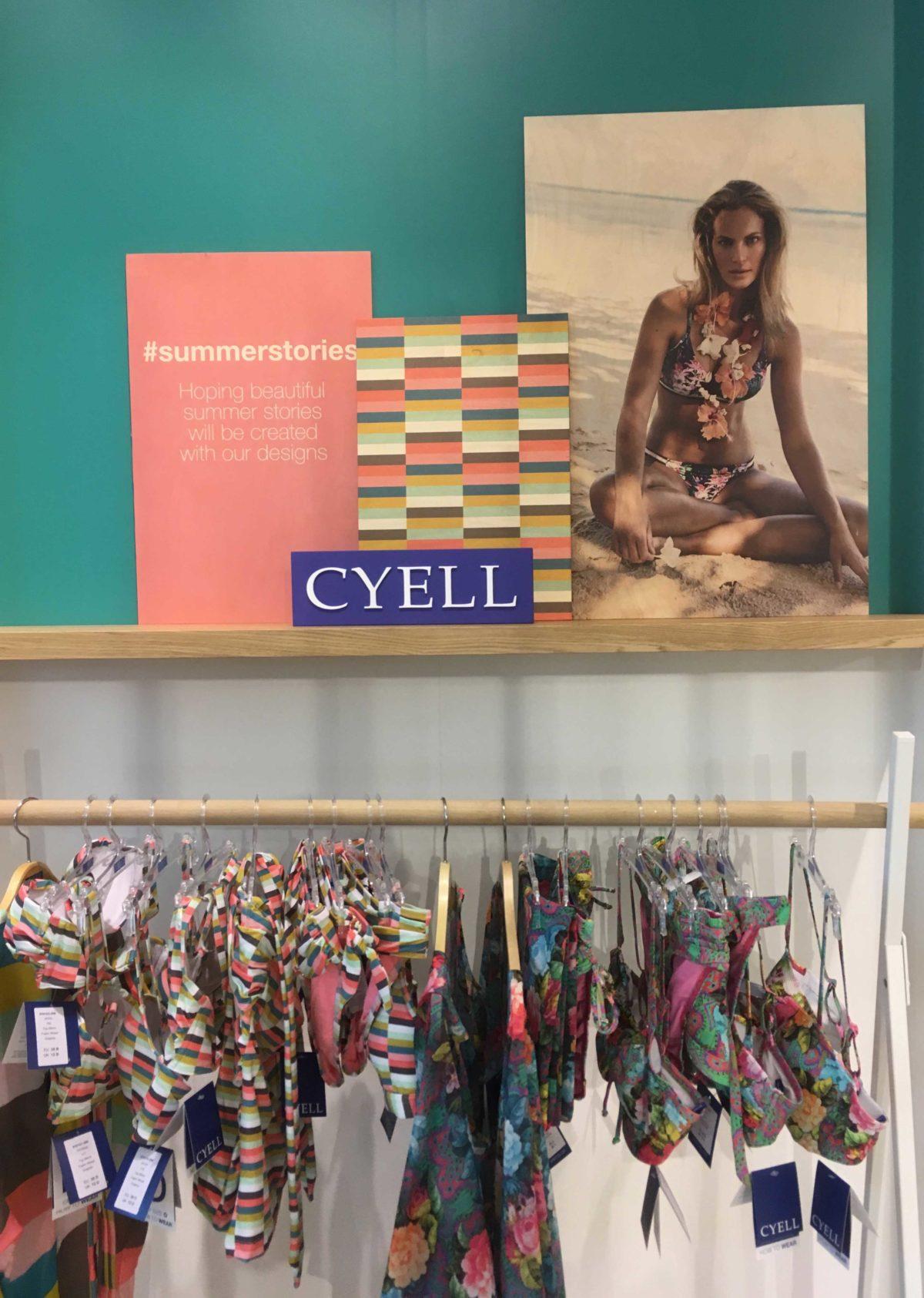 Cyell showroom presentatiewand