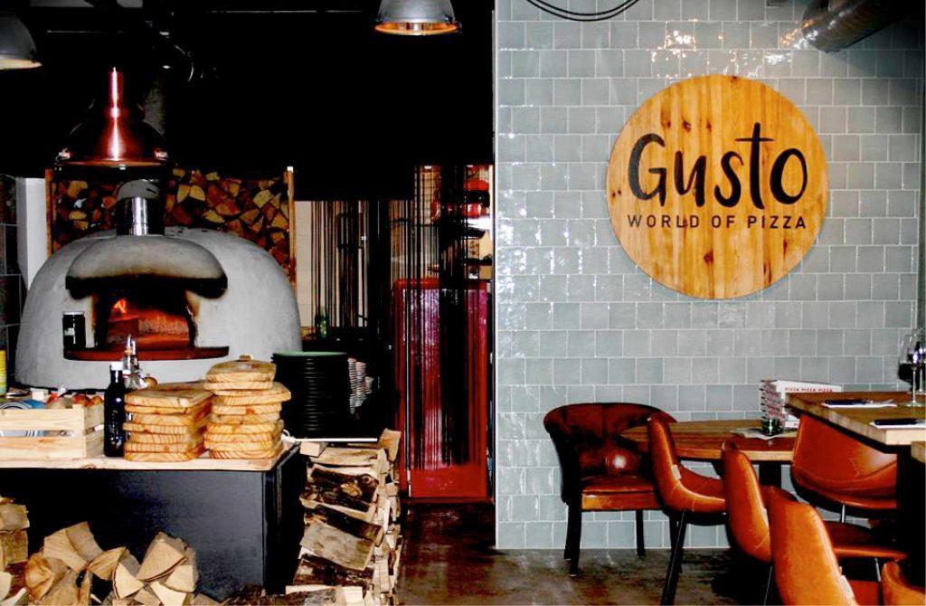 Gusto Restaurant achterwand