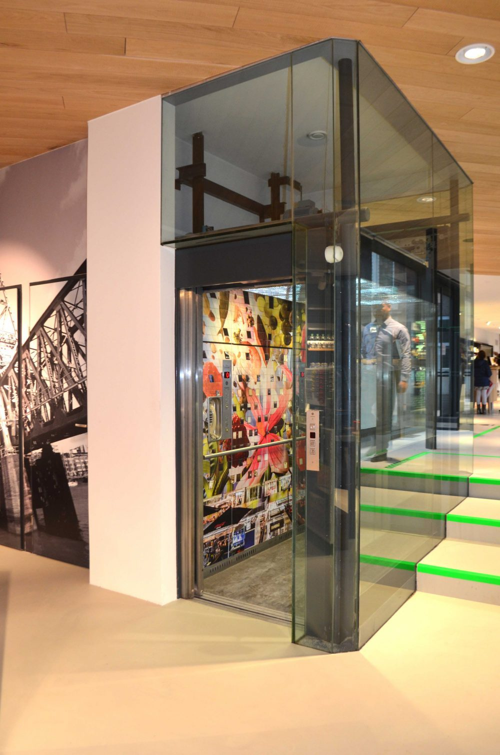 lift Rotterdam Coolsingel, Rotterdam Tourist Shop, markthal